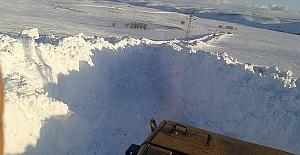 Kar Yolları Kapattı