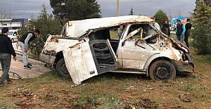Minibüsle Otomobil Çarpıştı 6 Yaralı