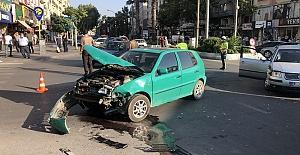Otomobiller Çarpıştı 1 Çocuk Yaralı