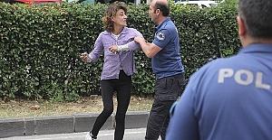 Taksiciyi Tehdit Eden Kadın Yakalandı