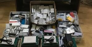 Kaçak Telefon ve Sigara Ele Geçirildi