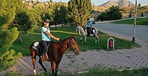 Kahramanmaraş'ta Atlı Zabıtalar İş Başında