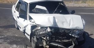 Tır İle Otomobil Çarpıştı 7 Yaralı
