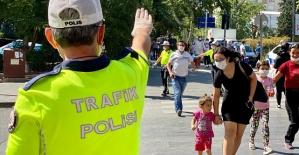 Trafikte Yaya Önceliği Bilgilendirmesi