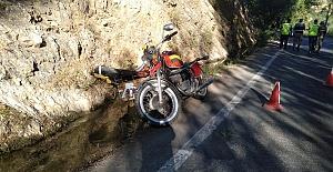 Motosiklet Devrildi 1 Ölü 1 Yaralı