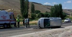 Otomobil Devrildi 4 Yaralı