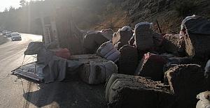 Kahramanmaraş'ta Pamuk Yüklü Tır Devrildi