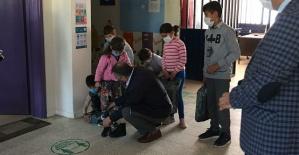 Öğrencilere Ayakkabı Hediye Edildi