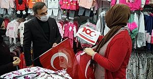 Büyükşehir'den 10 Bin Bayrak