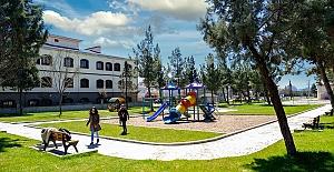 Yenilenen Karacasu Parkı Hizmete Açıldı