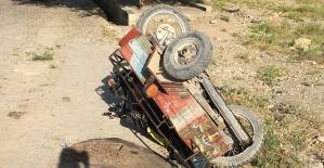 Motosiklet Otomobille Çarpıştı 1 Yaralı