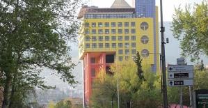 Sarı Bina Kurban Bayramı Sonrası Yıkılıyor
