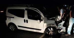 Zincirleme Kaza 1'i Ağır 2 Yaralı