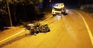 Motosiklet Kamyonetle Çarpıştı 2 Ağır Yaralı