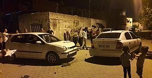 İki Otomobildeki 8 Kişi Yaralandı