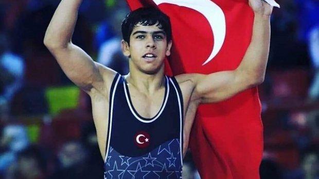 Dünya Güreş Şampiyonu Hamza Alaca